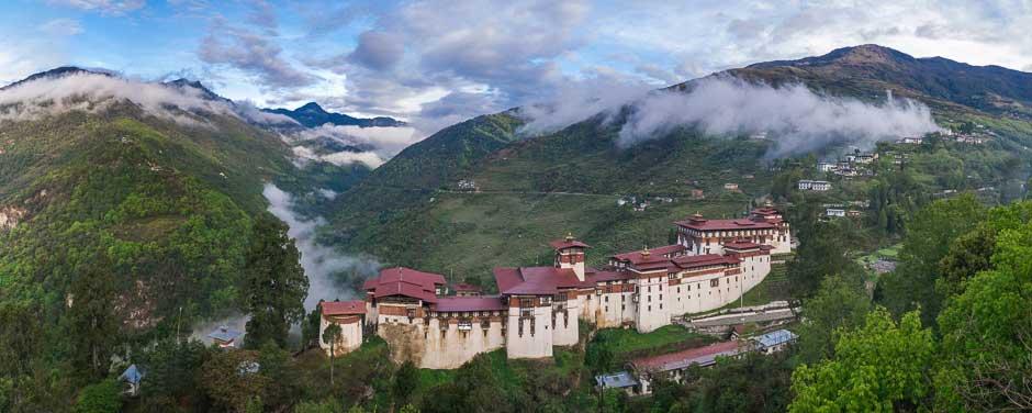 Bhutan, Trongsa, the Trongsa Dzong a fortified Buddhist monastery, viewed from above