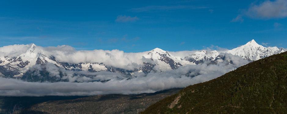 The Meili mountain range with Kawakarbo peak (6,740m) right, which is sacred to Tibetans